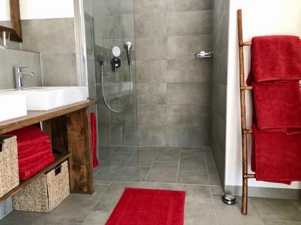 Bad mit Walk-In Dusche